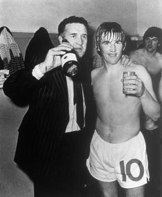 Celtic manager Jock Stein and star player Kenny Dalglish in Kenny Dalglish, Celtic Fc, World Football, Liverpool Football Club, Fa Cup, Sports Stars, Sport Man, Glasgow, The Past