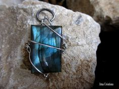 Handmade Ice Breath pendant in sterling silver par AtuaCreations