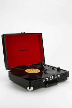 Crosley Cruiser Briefcase Portable Vinyl Record Player - Urban Outfitters