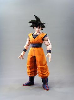 This papercraft is Goku, based on the manga / anime / game series Dragon Ball, the paper model was created by Coturno Velho. This is a big size version of Goku, Dragon Ball Z, Paper Toys, Paper Crafts, Papercraft Anime, Free Paper Models, Papercraft Download, Origami And Kirigami, 3d Printable Models
