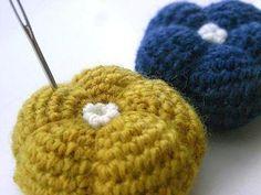 ぽってりお花のピンクッションの作り方 編み物 編み物・手芸・ソーイング ハンドメイドカテゴリ アトリエ