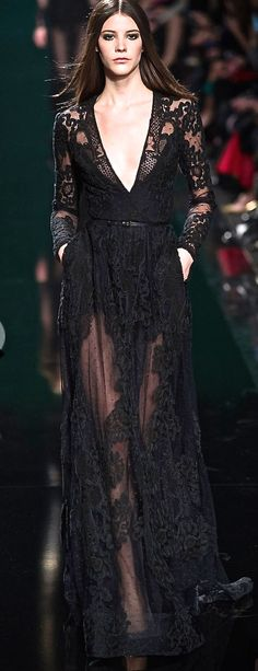 I totally love this dress! Elie Saab, 2015 gorgeous black gown #HauteCouture