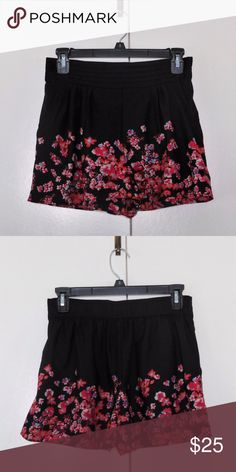 Kimchi Blue Silky Floral Shorts Sz S Excellent, like new condition. Has pockets. Kimchi Blue Shorts