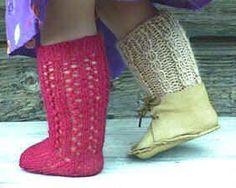 Irish dance socks-Free Pattern for cute knee socks to knit for American Girl doll. Knitting Dolls Clothes, Ag Doll Clothes, Crochet Doll Clothes, Knitted Dolls, Doll Clothes Patterns, Knitting Socks, Baby Knitting, Free Knitting, Doll Patterns