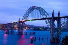 bay bridge is an arch bridge that spans yaquina bay south of newport