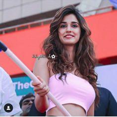 Disha Patni, Actress Wallpaper, Vintage Bollywood, Latest Images, Beauty Full Girl, Deepika Padukone, Girly Outfits, Mehendi, Childhood