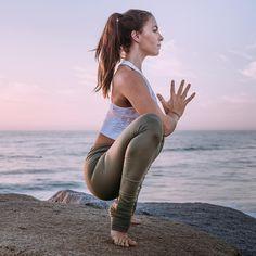 The Alo Yoga Idol Legging #yoga #yogainspiration