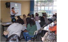 CONSTRUINDO COMUNIDADES RESILIENTES: REDEC 4 Capacita Professores no Plano de Emergênci...
