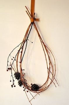 Natural & Beautiful: 10 Twig Wreaths   Apartment Therapy