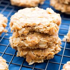 3 Ingredient No Bake Peanut Butter Oatmeal Cookies (V, GF, DF): an easy recipe for deliciously soft 'n chewy PB oatmeal cookies. Vegan, Gluten Free.