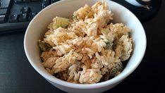 Ryżowa sałatka z kurczakiem i ogórkiem – Smaki na talerzu Grains, Lunch Box, Rice, Food, Essen, Bento Box, Meals, Seeds, Yemek