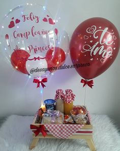 Happy Birthday, Birthday Cake, Diy Crafts For Gifts, Balloon Decorations, Ideas Para, Wedding Events, Christmas Bulbs, Balloons, Bubbles