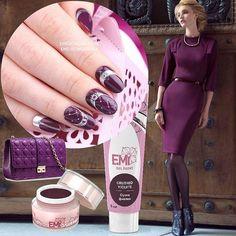 Встречай победителя #EmiManicureBattle! Твой выбор этой недели - бесподобный #EmiManicure в актуальном оттенке #CухиеФиалки. Сделаешь его частью женственного делового образа или стильного casual? Сегодня можно так, а завтра по-другому  Найти салон, чтобы примерить этот дизайн на свои ногот�