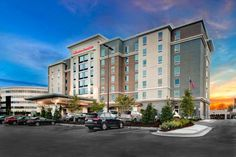 Hampton Inn & Suites by Hilton Atlanta Perimeter Dunwoody Atlanta (Gerogia) Featuring free WiFi throughout the property, Hampton Inn & Suites by Hilton Atlanta Perimeter Dunwoody offers accommodation in Atlanta, 12 km from Cobb Energy Centre.  There is a business centre at the property.