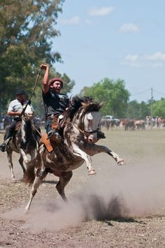 Gauchos perform in rodeos throughout Argentina to keep the traditions alive. (Photo: Patrico Murphy)