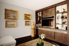 Le meuble TV dessiné selon votre intérieur par Agence Brigitte Elbaze #aménagementsurmesure #meubletv
