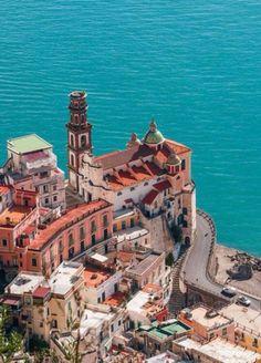 5 Atrani , Italy  Жить на берегу моря и видеть горы наслаждаться красотой природы  это мечта