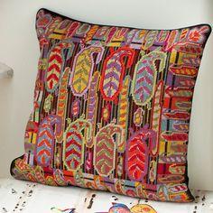Paisley Palisade - Design by Raymond Honeyman Needlepoint Designs, Needlepoint Stitches, Needlepoint Kits, Needlework, Embroidery Flowers Pattern, Diy Embroidery, Embroidery Stitches, Swedish Embroidery, Cross Stitch Designs