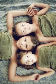 photography inspiration and ideas:) / Sibling photos family-photos Sibling Photography, Love Photography, Children Photography, Portrait Photography, Poses Photo, Picture Poses, Photo Tips, Photo Ideas, Pic Pose