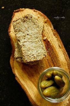 Bean pate with roasted garlic and apple / Pasztet z fasoli z pieczonym czosnkiem i jabłkiem