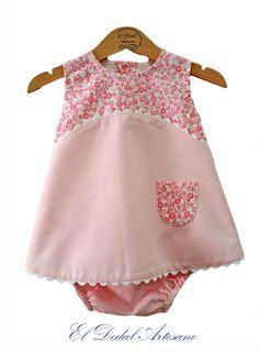 Vestido y braguita bebé