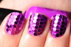 These mosaic nails are so cool!