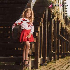 Set de rochii pentru mama si fiica rosii cu pulover alb