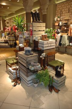 floating built up space for vendor- shop 360 around- build up with crates. Visual merchandising. Retail store display.