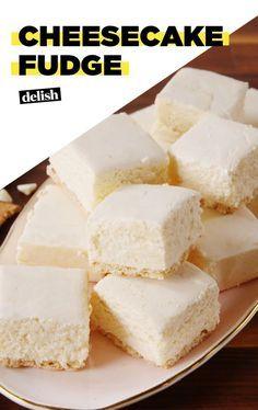 Cheesecake Fudge Recipe, Fudge Recipes, Candy Recipes, Sweet Recipes, Baking Recipes, Dessert Recipes, Homemade Fudge, Homemade Candies, Just Desserts