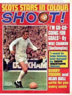 magazine for Oct 1970 featuring Mick Jones of Leeds Utd on the cover. Leeds United Football, Leeds United Fc, Leeds United Wallpaper, The Damned United, Bobby Moore, Mick Jones, Sir Alex Ferguson, Football Memorabilia, Old Trafford