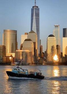 New York Life, Nyc Life, City Aesthetic, Aesthetic Videos, Mykonos, Santorini, Beautiful Buildings, Beautiful Places, New York Wallpaper