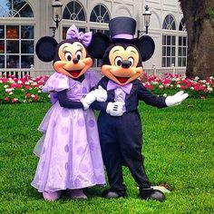 Mickey and Minnie Easter 2014 at the Disney Resort, Grand Floridian. I love that they are wearing their Easter attire.