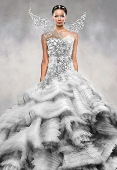 Tex Saverio for Katniss! Wow, i have no idea before. This dress is an amazing…