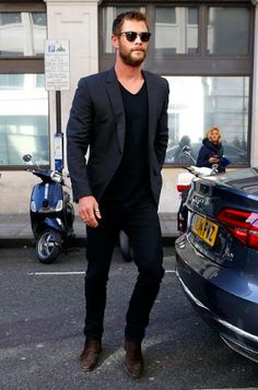 11 Cool Jeans & Blazer Outfit Ideas For Men - Mens Fashion Blazer - # Black Blazer With Jeans, Black Jeans Men, Black Jeans Outfit, Suit Jacket And Jeans, Grey Suit Black Shirt, Black Suit Brown Shoes, Black Shorts, Grey Blazer Outfit, Black Chinos