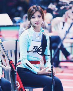 Pin on Beautiful « Luna Margarin - 美しさ Most Beautiful Faces, Beautiful Asian Women, Korean Beauty, Asian Beauty, Tzuyu Body, Twice Tzuyu, Archery Girl, Hot Japanese Girls, Beautiful Athletes