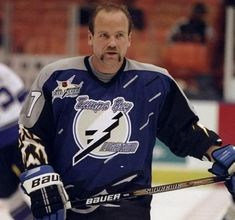 Wendel😌•Legendary Leaf.  1998-scored 28 goals in 65 games for The Bolts before being traded to the Red Wings