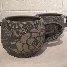 #pottery#ceramics #sgraffito I had to carve!!! ...Really now, Merry Christmas!! Back to Christmas preparations