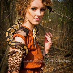 Henna cuff tattoo ar