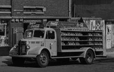 1950's. Bedford K (GX-2310) Coca-Cola truck parked on the nieuwe Achtergracht in Amsterdam. Photo Archief van het Bureau Monumentenzorg. #amsterdam #1950