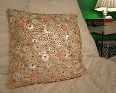 How to Make a Beautiful Button Pillow