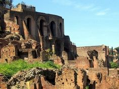 (Romantic things to do in Rome - breathtaking sights in Rome) the Palatine Hill - A Majestic Land for Great Lovers.