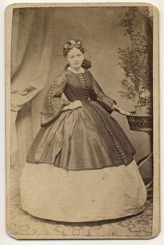cdv dress  photographer: Pesky Ede (1835 - 1910) - c.a. 1860s  PESKY Ede was a painter and a photographer