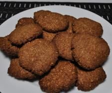 Recipe Paleo Anzac Biscuits by leegreen, learn to make this recipe easily in your kitchen machine and discover other Thermomix recipes in Baking - sweet. Paleo Dessert, Sugar Free Cookie Recipes, Healthy Meatloaf, Anzac Biscuits, Paleo Treats, How To Eat Paleo, Yummy Eats, Sweet Recipes, Treats