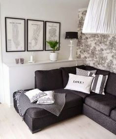 50+ Black and White Living Room Ideas_46
