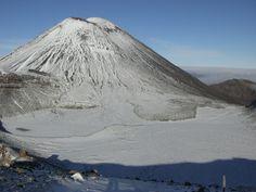 tongariro mountain in new zealand