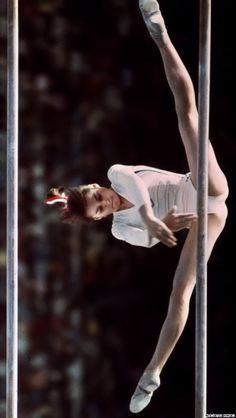 nadia comaneci -1st olympic perfect 10