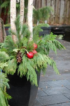 36 Awesome Outdoor Holiday Planter Ideas To Beauty Porch Décor - xmas Christmas Urns, Christmas Planters, Christmas Arrangements, Outdoor Christmas Decorations, Winter Christmas, Christmas Wreaths, Holiday Decor, Canadian Christmas, Winter Porch
