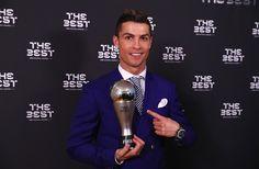 Quando Florentino Pérez contratou Cristiano Ronaldo, provavelmente não tinha dimensão do que ele se tornaria. O português já era gigante, mas no Real Madrid alcançou um nível a mais nessa idolatria e importância que tem na história do futebol mundial