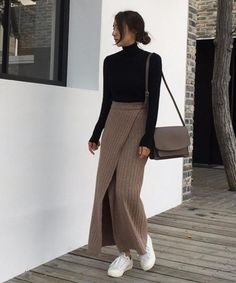 Pumps or sneakers? 15 selections of skirt coordinates that will improvise from your feet ♡ outfits style summer teenage frauen sommer for teens outfits Fall Fashion Outfits, Casual Fall Outfits, Modest Outfits, Classy Outfits, Skirt Outfits, Look Fashion, Outfits For Teens, Stylish Outfits, Autumn Fashion