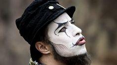 O Teatro Mágico e arte de ver mais poesia nas coisas simples da vida | Entenda Os Homens